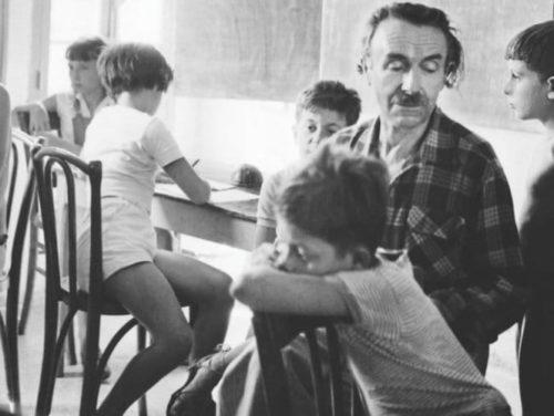 L'école libre Freinet à Vence (Alpes-Maritimes, France). En 1953.  Georges Dudognon / adoc-photos